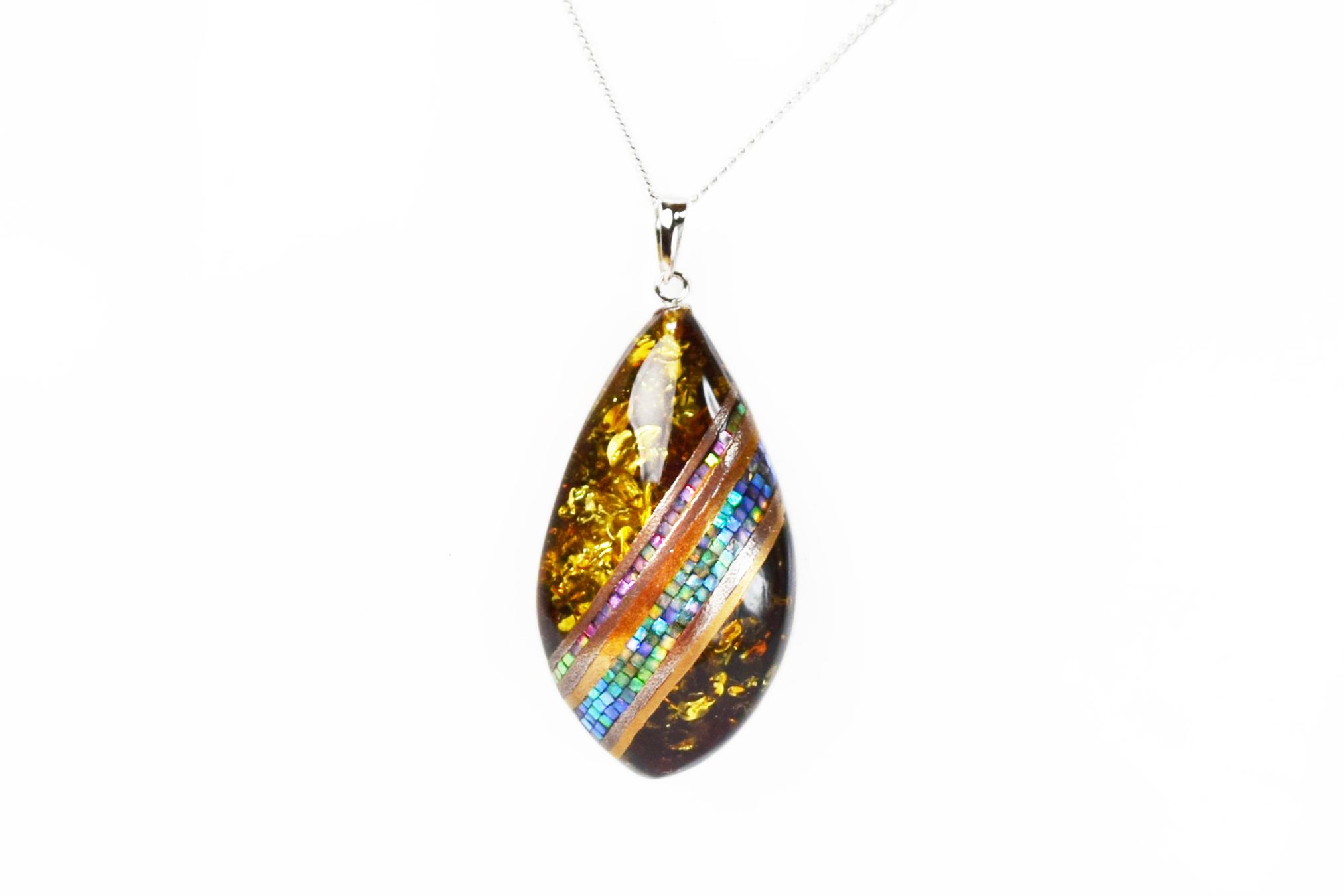 necklace_mamori_amber1