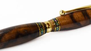 螺鈿ボールペン 七宝花菱 黒柿孔雀杢追加しました!