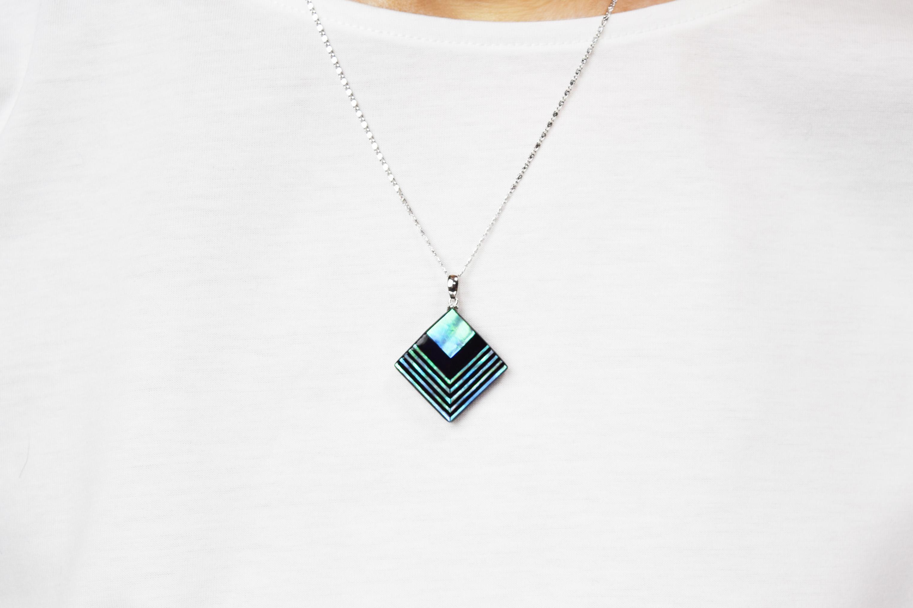 raden_necklace_akari_l_grn