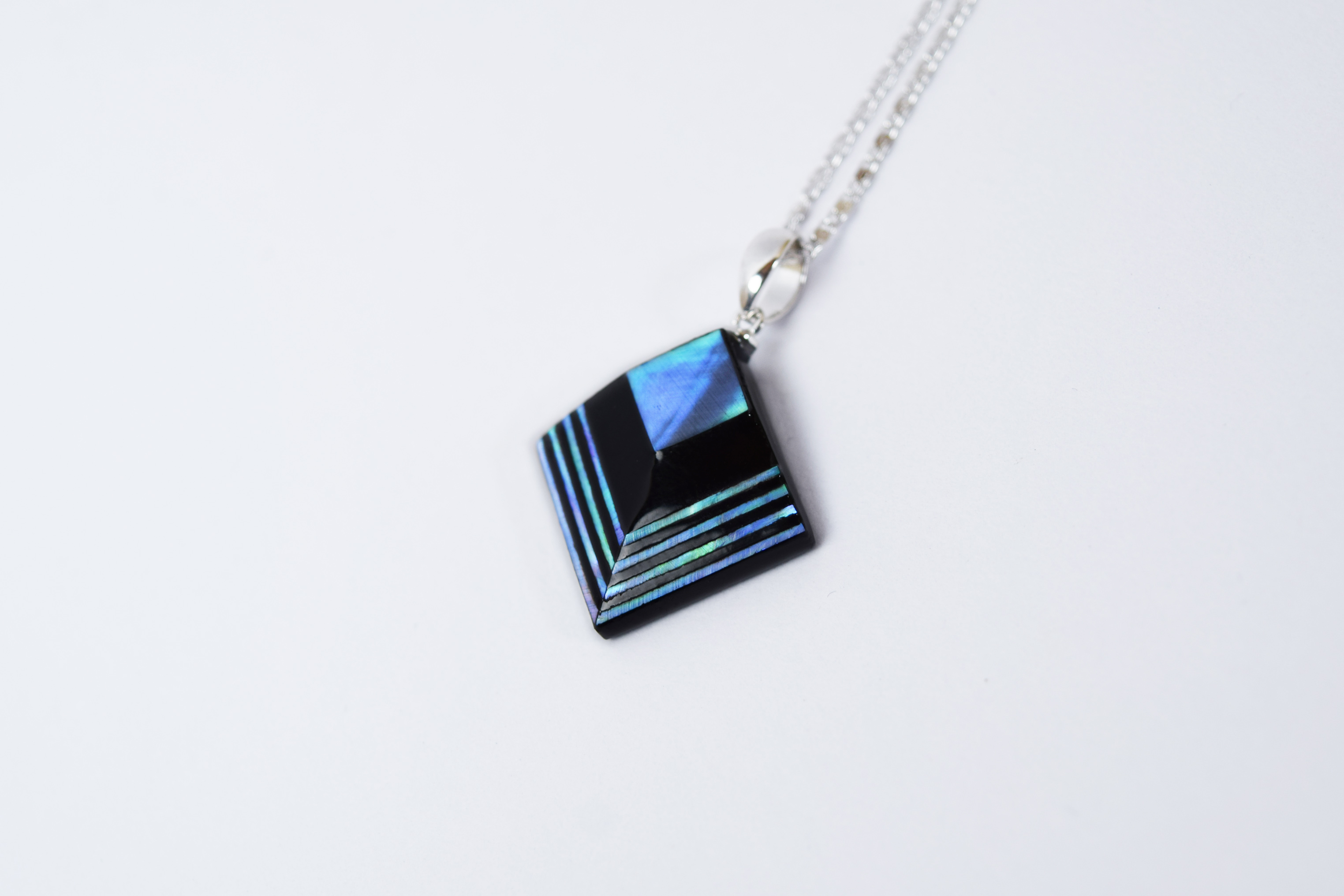 raden_necklace_akari_m_grn