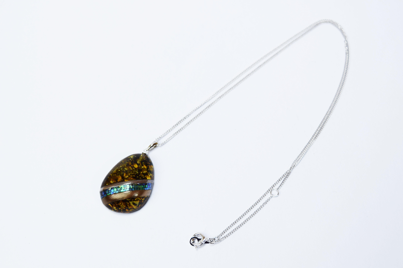 raden_necklace_mamori_amber5