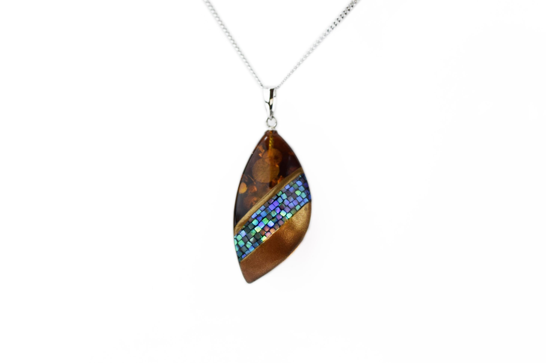 raden_necklace_mamori_amber6