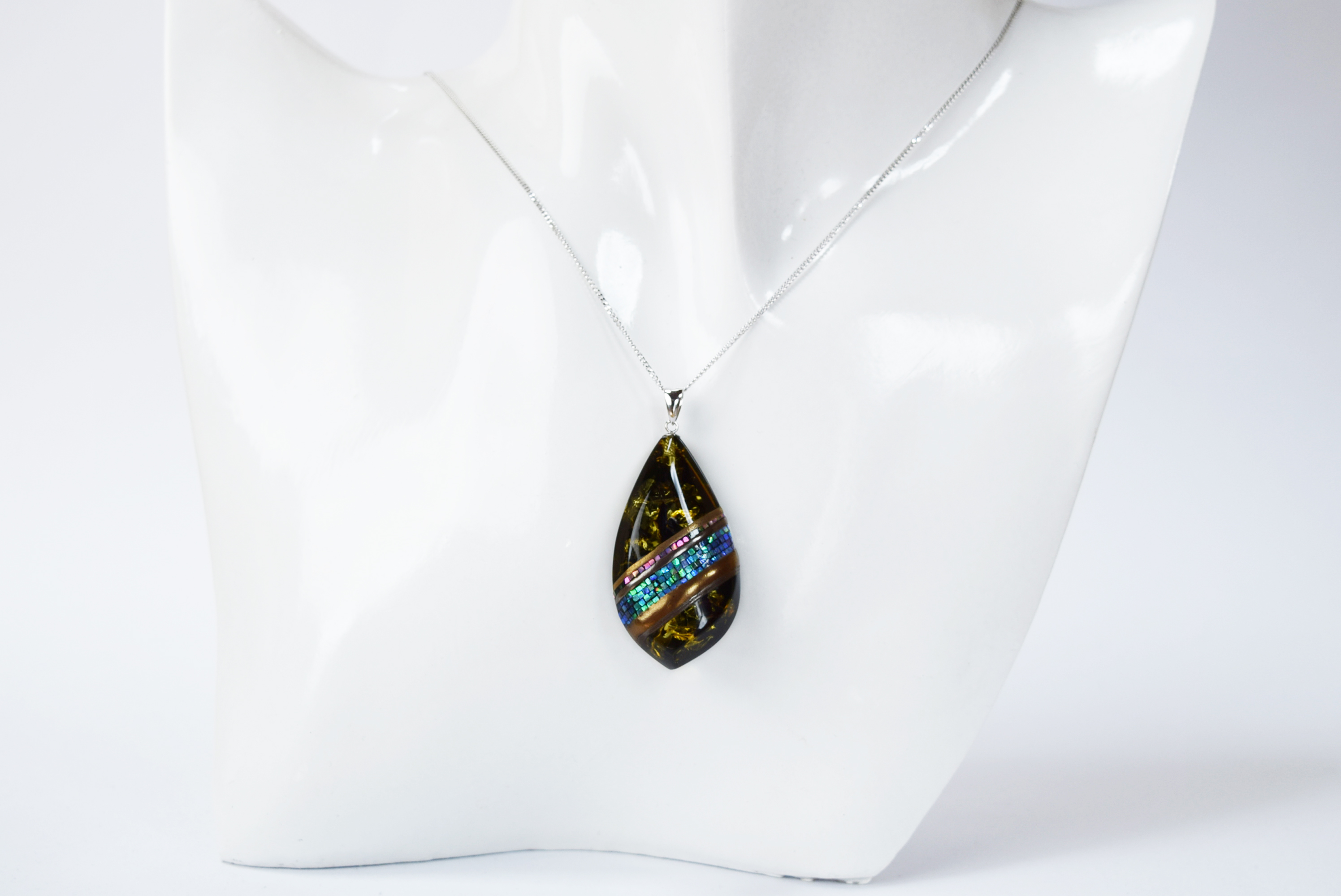 raden_necklace_mamori_amber10