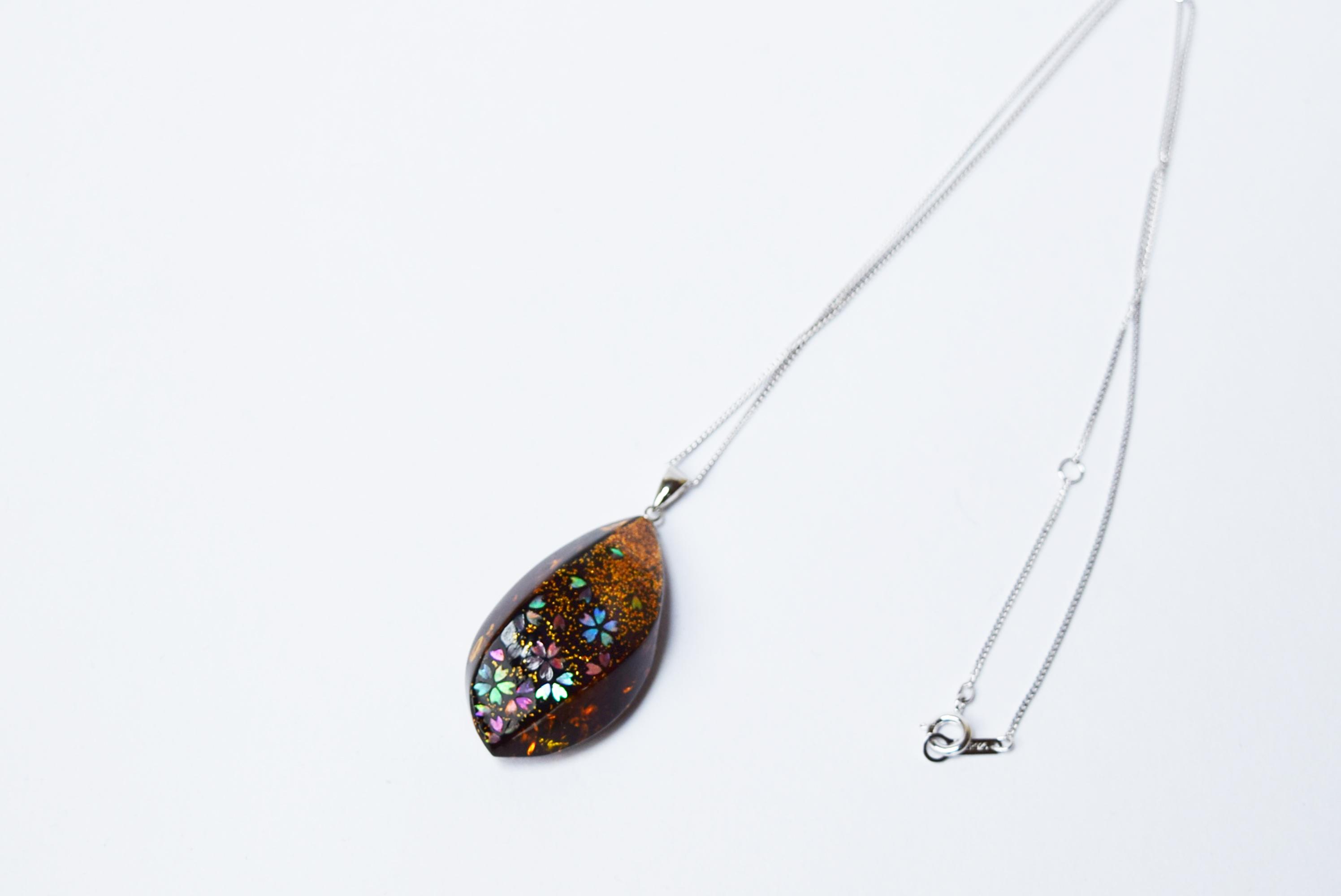 raden_necklace_mamori_amber12